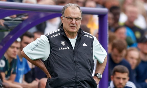 Marcelo Bielsa signs new one-year deal to stay at 'extraordinary' Leeds